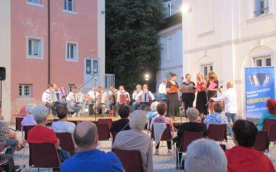 02.08.21 – Serata musicale all'aperto